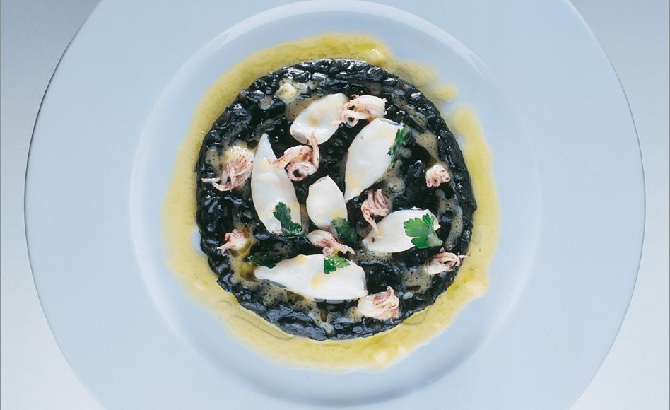 risotto l encre aux supions de m diterran e par alain ducasse. Black Bedroom Furniture Sets. Home Design Ideas