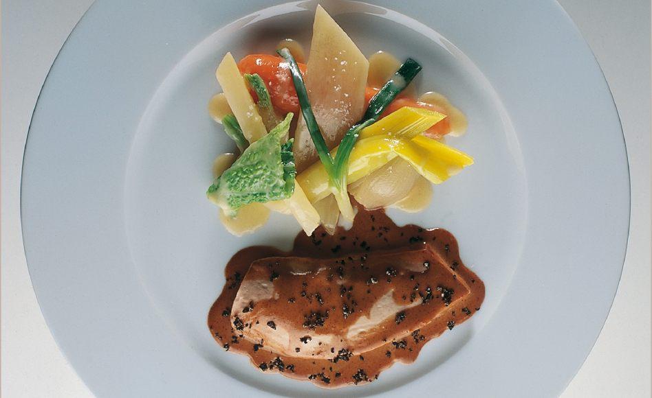 Poule faisane au pot par alain ducasse - Cuisiner une poule faisane ...