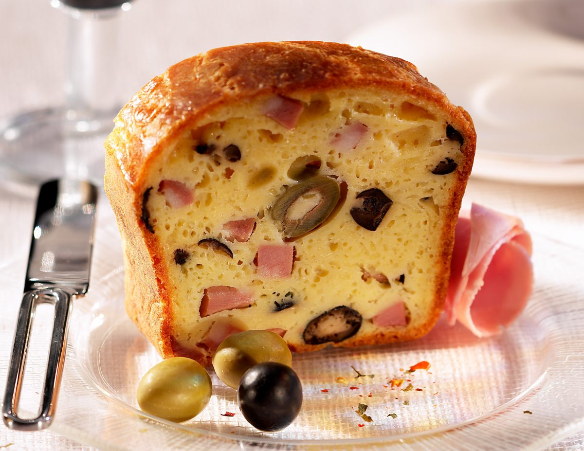 recette de cake au jambon et aux olives. Black Bedroom Furniture Sets. Home Design Ideas