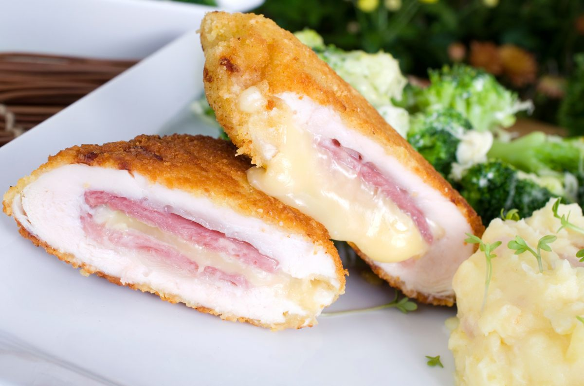 recette d 39 escalopes de dinde fa on cordon bleu. Black Bedroom Furniture Sets. Home Design Ideas