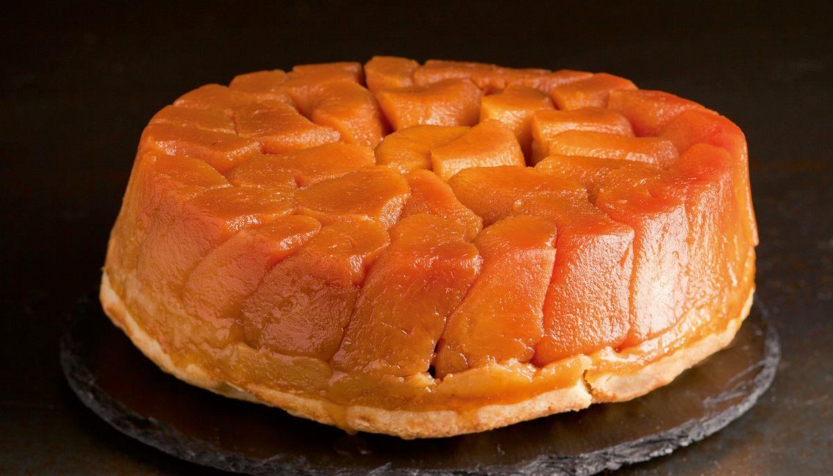 Tarte tatin aux pommes par l 39 cole de cuisine alain ducasse - Cours de cuisine guy martin ...