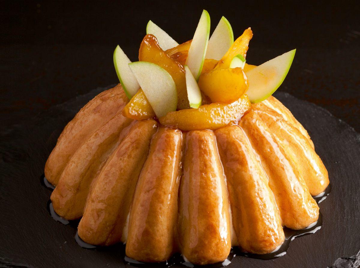 Charlotte pomme vanille par l 39 cole de cuisine alain ducasse for Charlotte dujardin 50 50