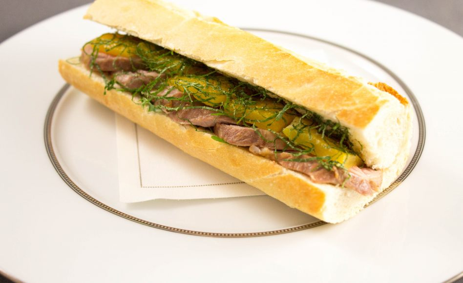 recette de sandwich l 39 agneau par alain ducasse. Black Bedroom Furniture Sets. Home Design Ideas