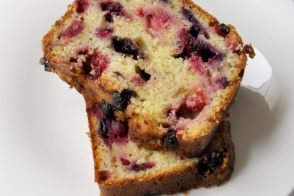 Recette de cake au cream cheese et aux fruits rouges par Pascale Weeks