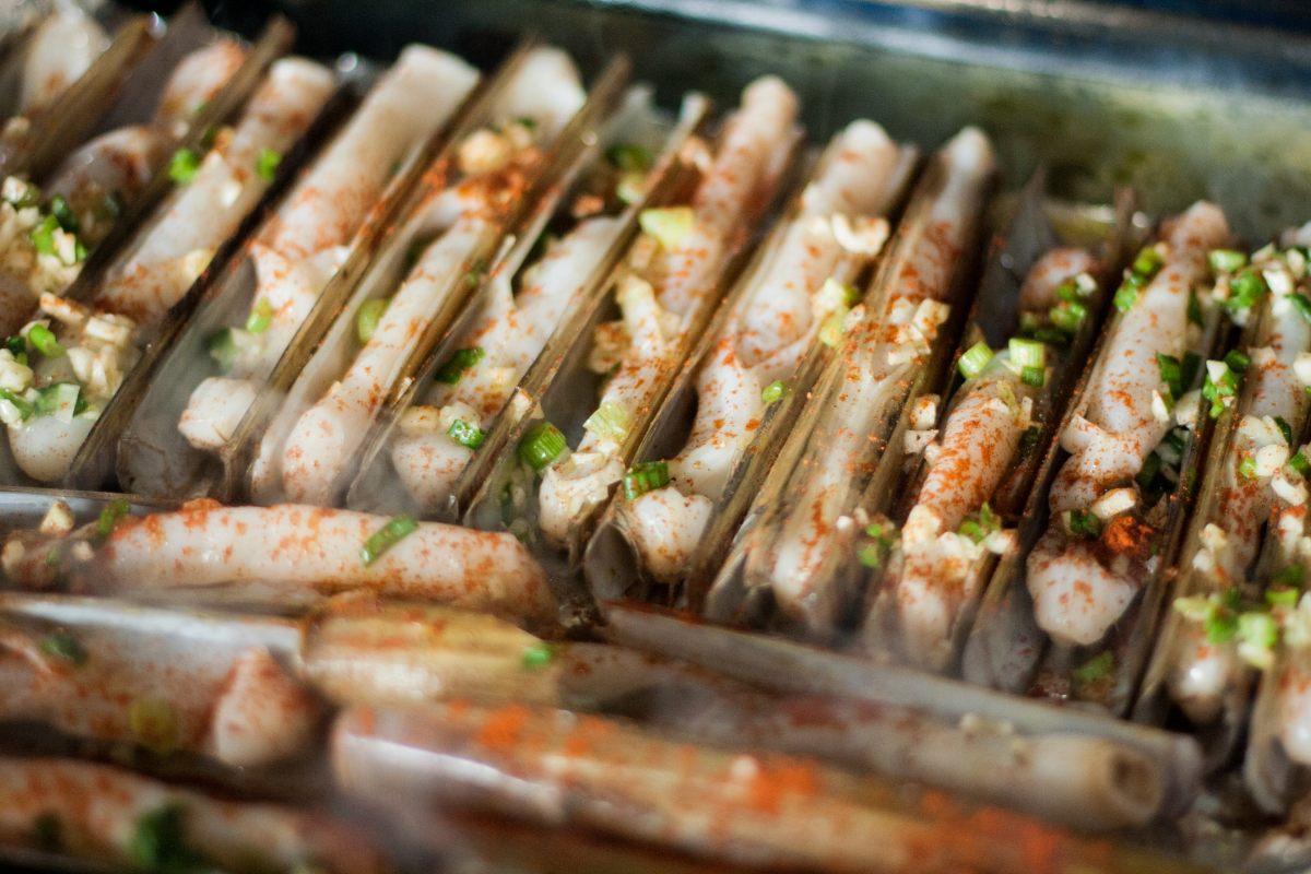 Couteaux la plancha sauce au citron c bette et paprika - Offrir un cours de cuisine avec cyril lignac ...