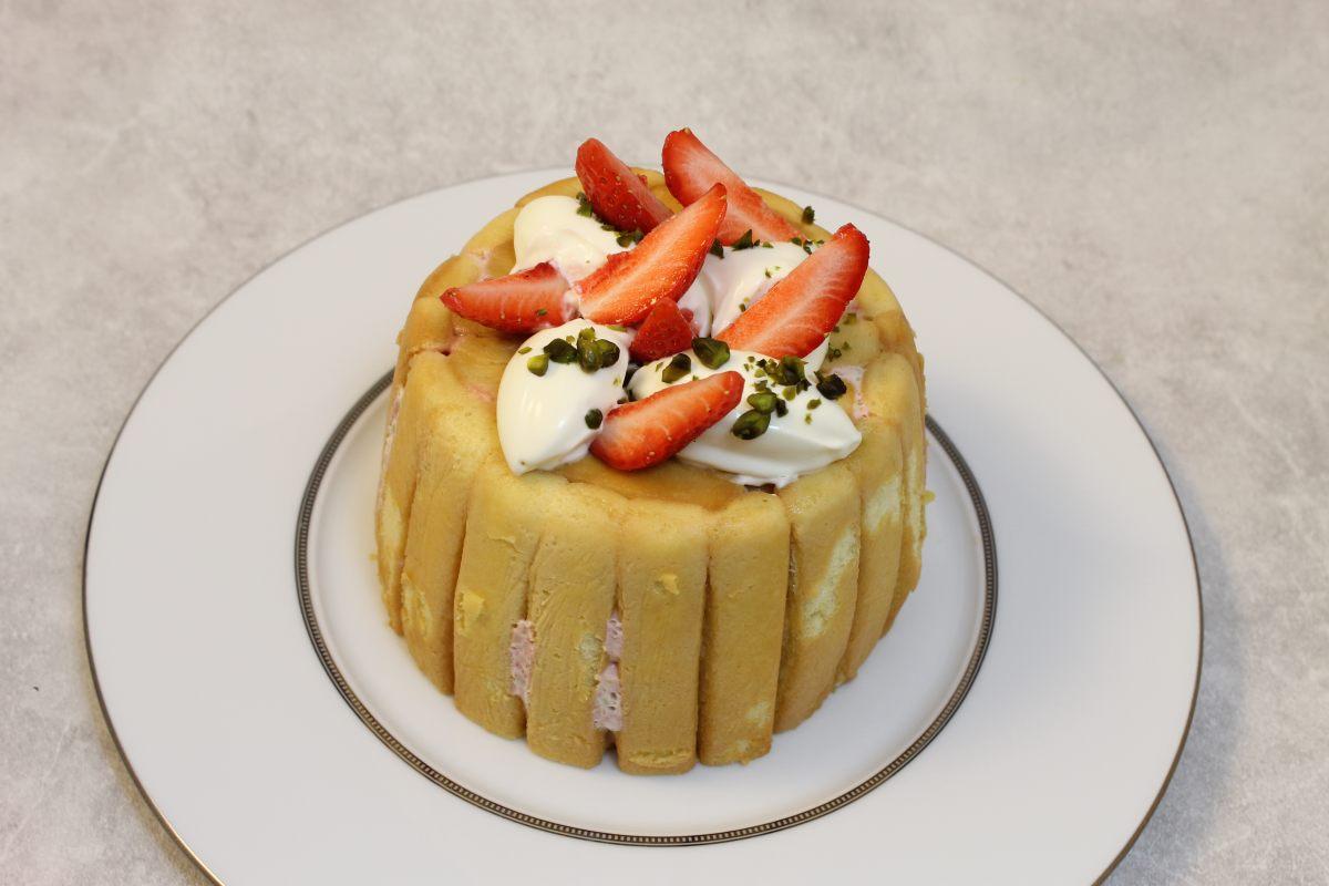 Recette de charlotte aux fraises par alain ducasse for Charlotte dujardin 50 50