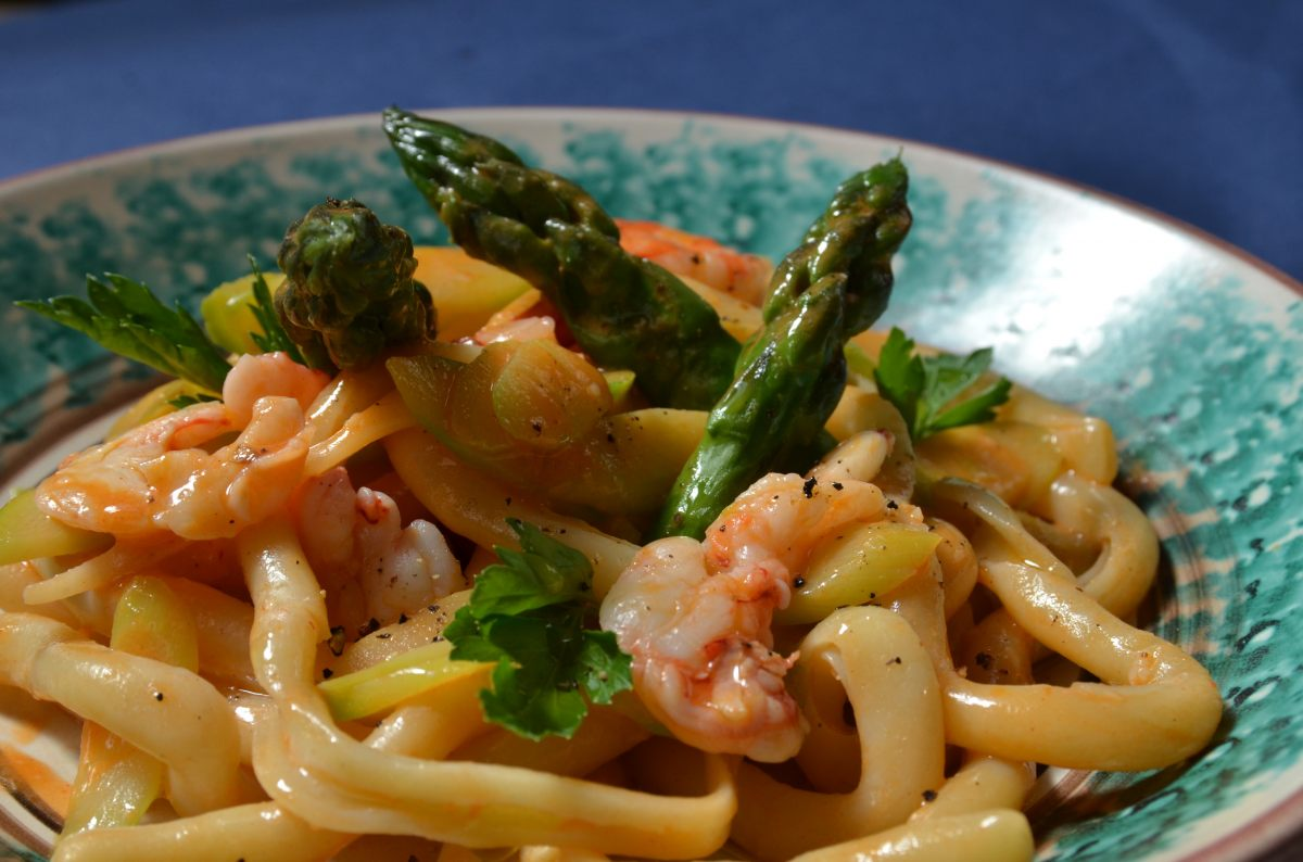 Recette de p tes aux gambas et aux asperges par ignazio - Offrir un cours de cuisine avec cyril lignac ...