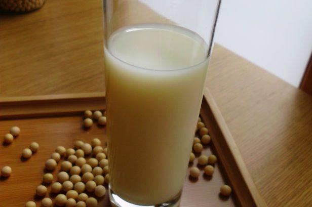 recette de lait de soja par recettes d 39 une chinoise. Black Bedroom Furniture Sets. Home Design Ideas