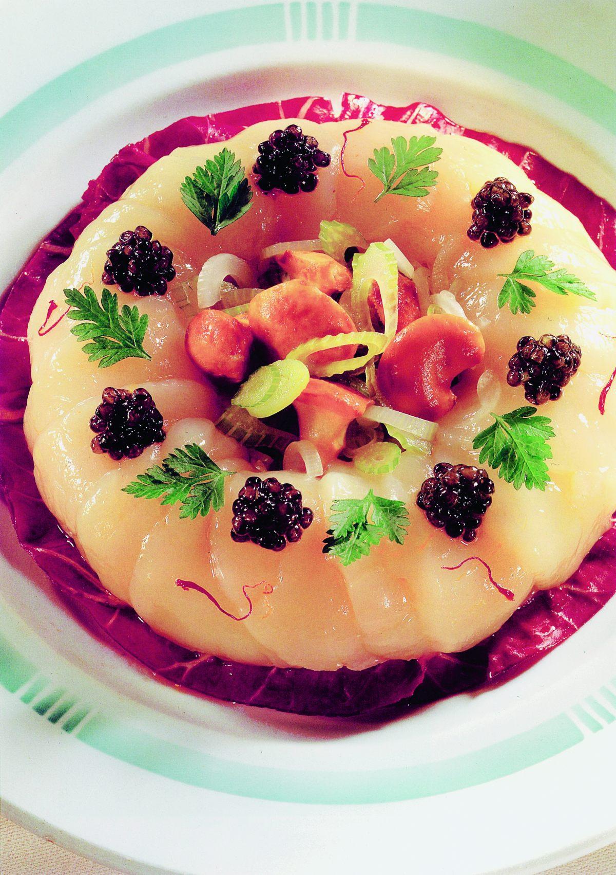 Salade de noix de saint jacques aux girolles et caviar par - Offrir un cours de cuisine avec cyril lignac ...