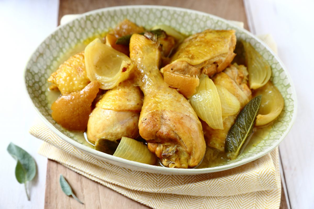 Recette de poulet au citron confit et la sauge - Cuisiner avec la sauge ...