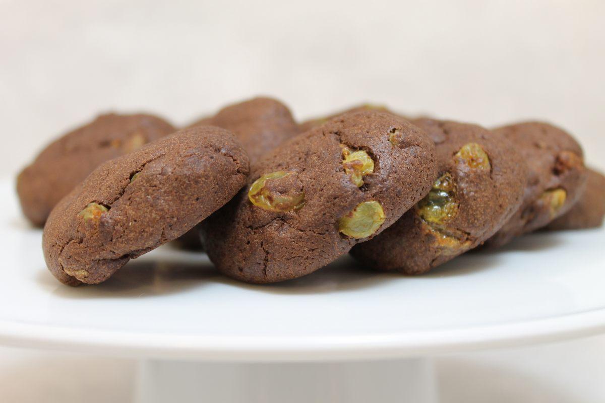 Cookies au cacao et aux raisins