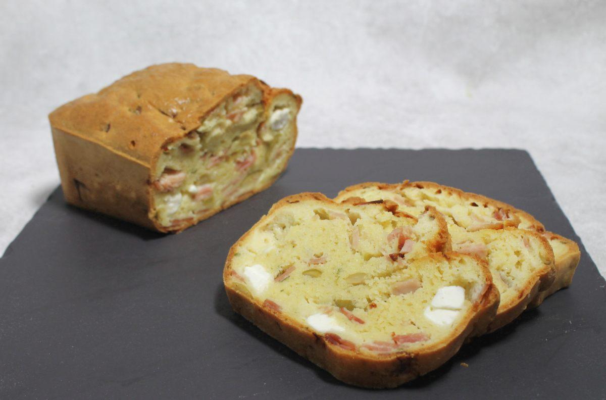 Cake jambon, feta et olives