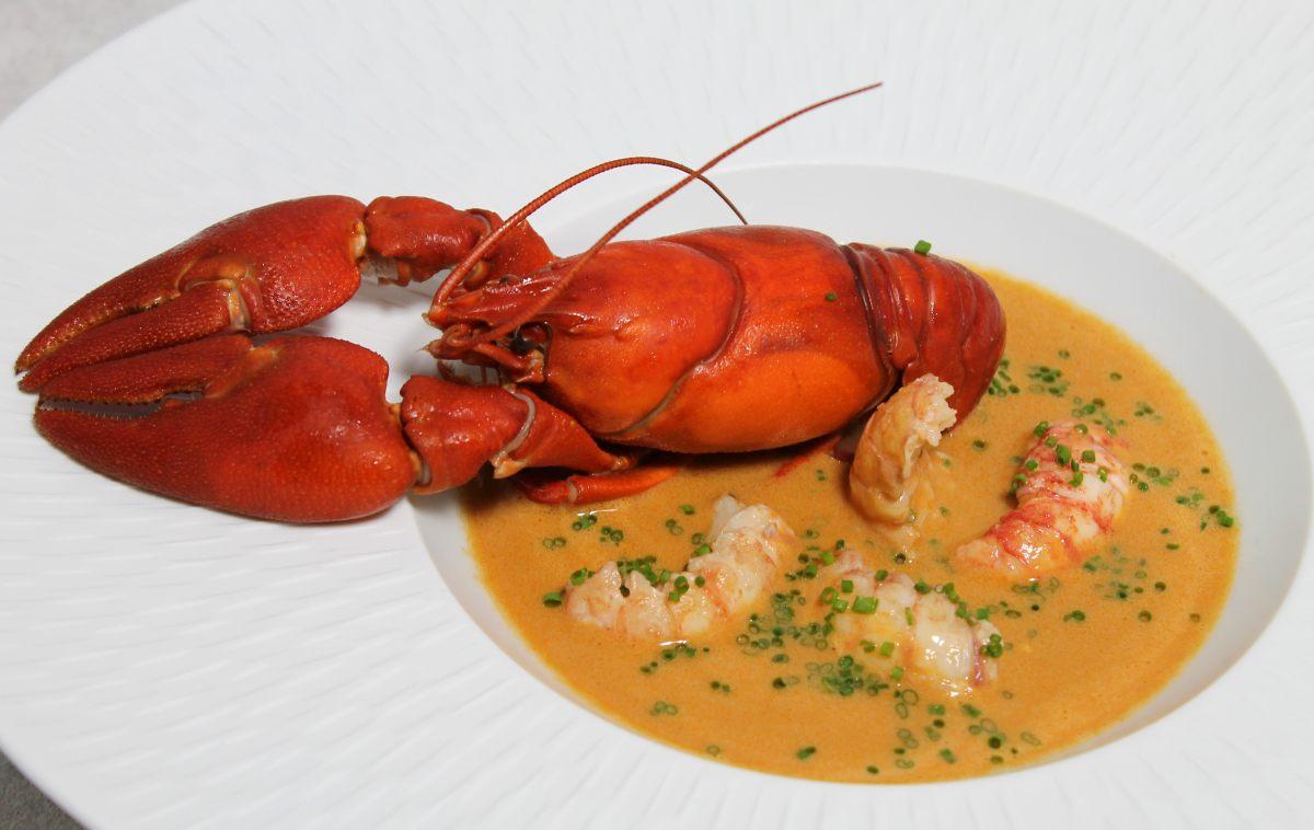 Recette de soupe cr meuse d crevisses la ciboulette par - Offrir un cours de cuisine avec cyril lignac ...