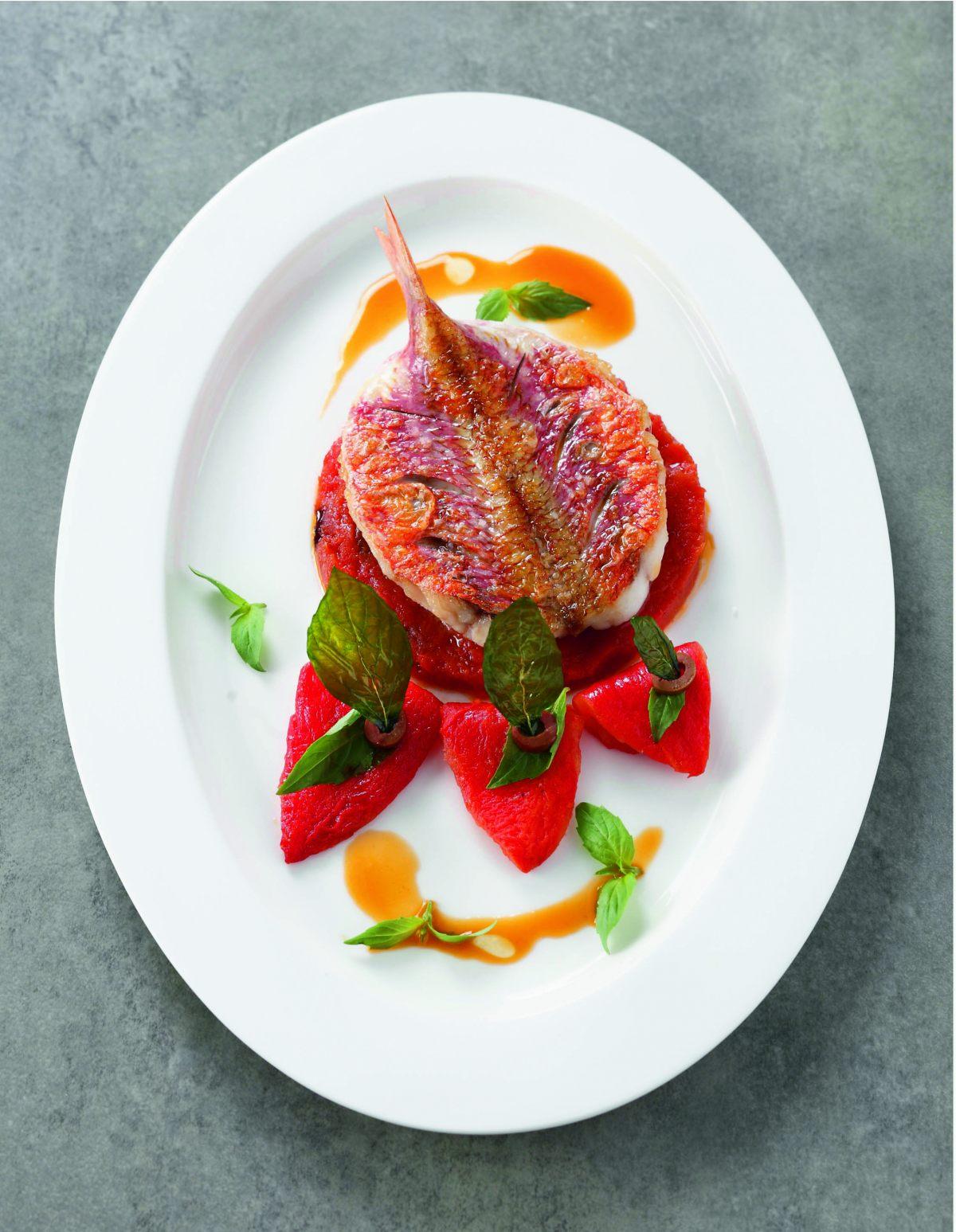 Rouget po l tomate olive basilic par l 39 cole de - Offrir un cours de cuisine avec cyril lignac ...
