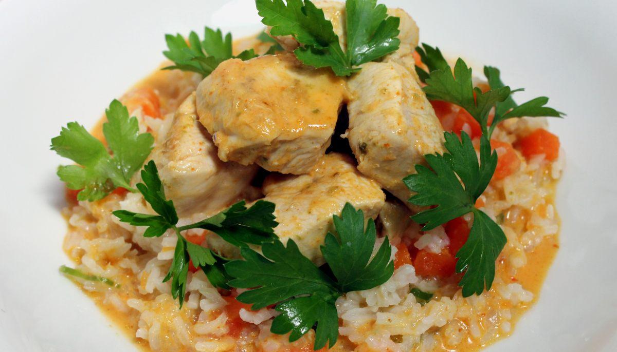 poulet au curry lait de coco riz par alain ducasse. Black Bedroom Furniture Sets. Home Design Ideas