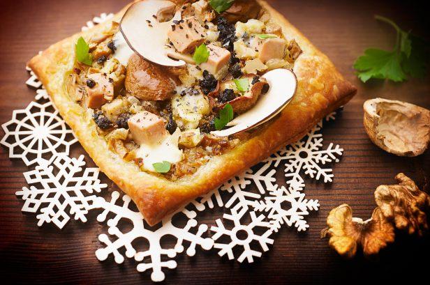 Recette de tartelettes aux c pes et au foie gras - Mont d or preparation ...