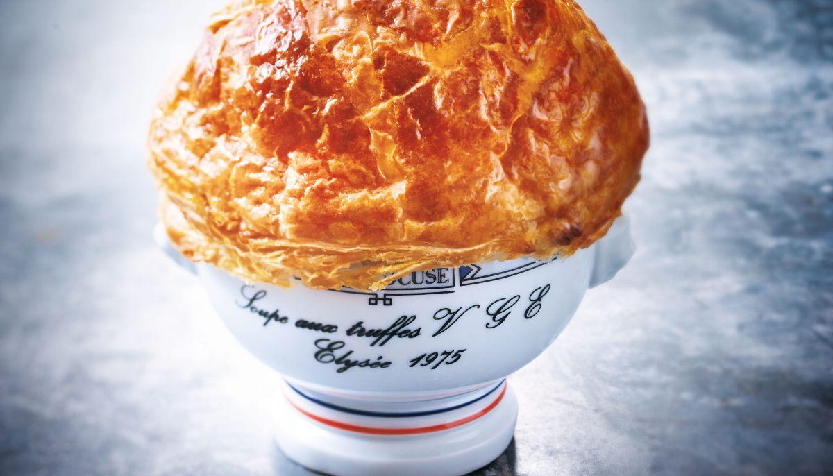 Soupe aux truffes vge par paul bocuse - Paul bocuse recettes cuisine ...