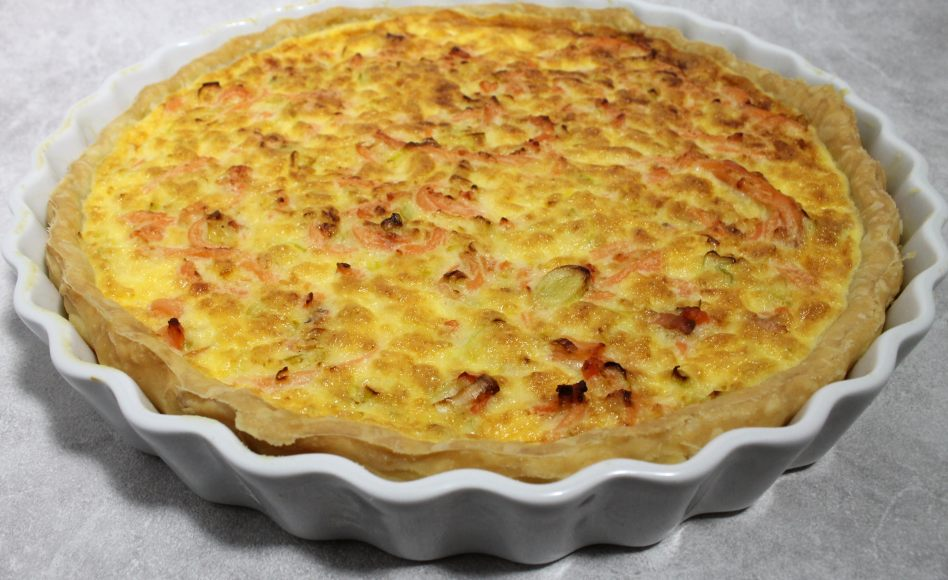 recette de quiche au saumon fum et aux poireaux par alain ducasse. Black Bedroom Furniture Sets. Home Design Ideas