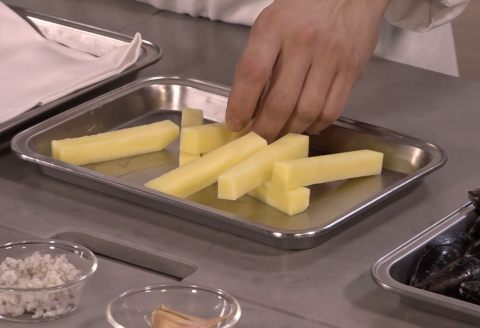 recette de moules de bouchots la marini re pommes frites par alain ducasse. Black Bedroom Furniture Sets. Home Design Ideas