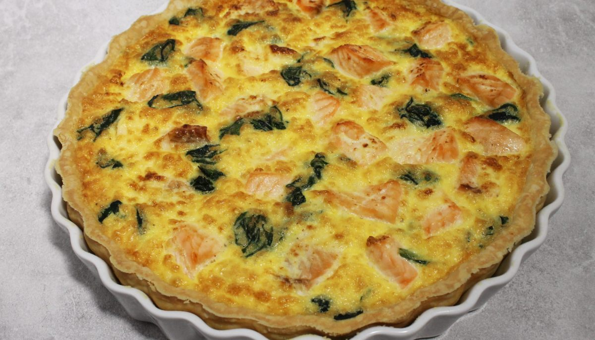 recette de quiche au saumon frais et aux pinards par alain ducasse. Black Bedroom Furniture Sets. Home Design Ideas