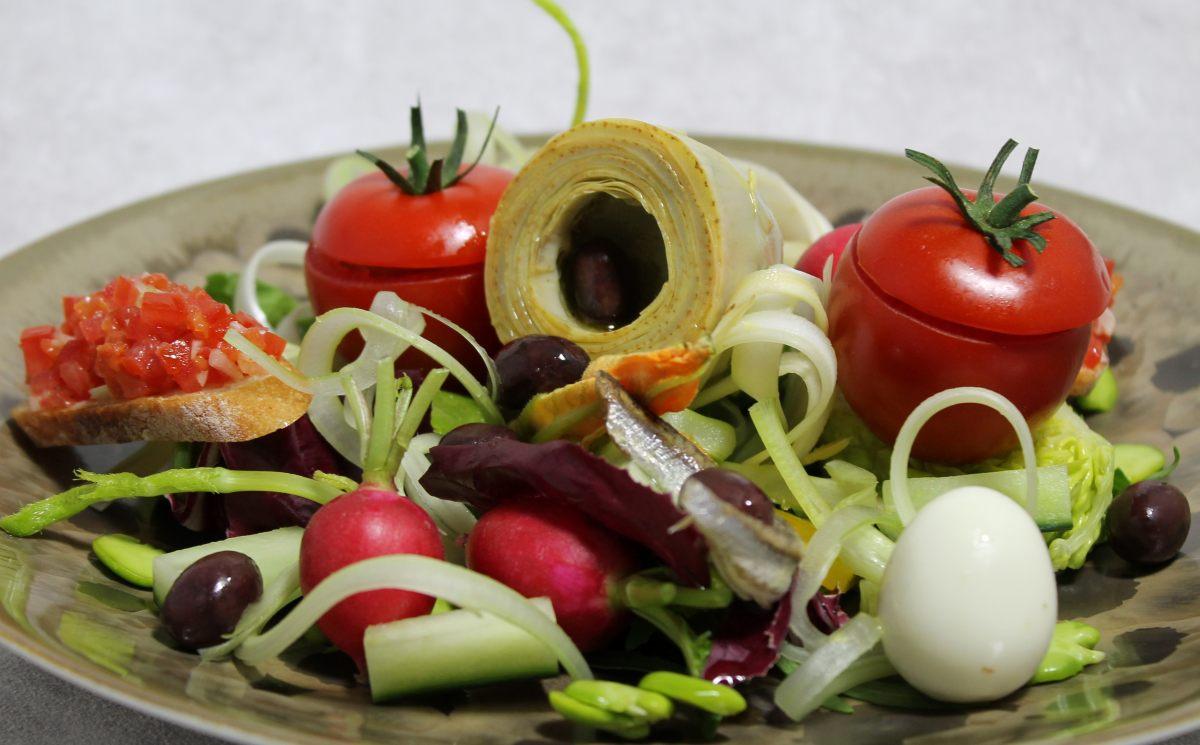 Salade ni oise par alain ducasse - Offrir un cours de cuisine avec cyril lignac ...
