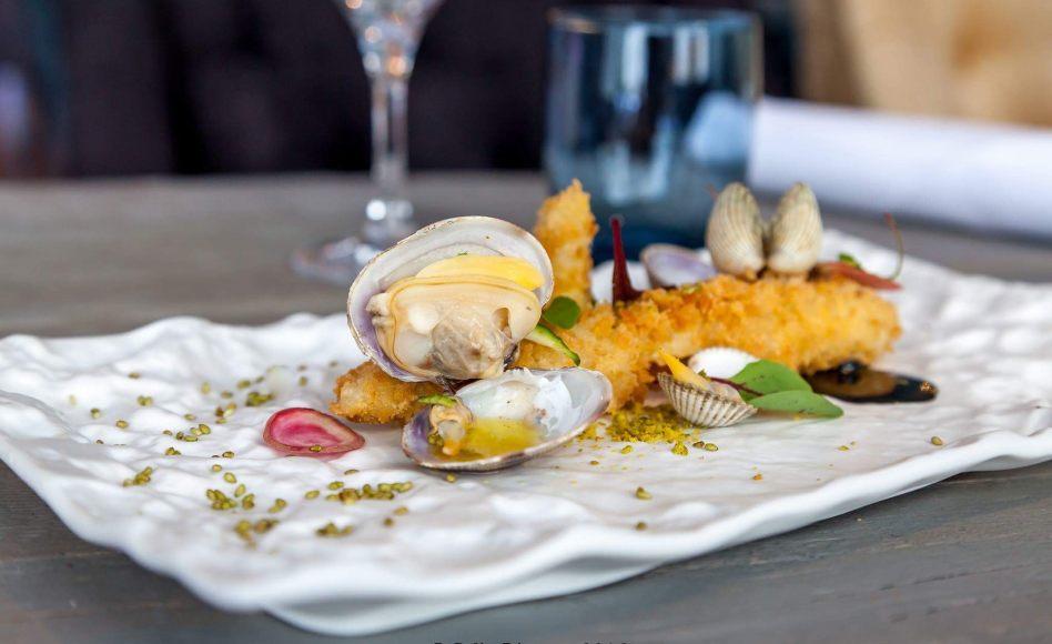 Tempura recept fehér spárga, kagyló, fekete fokhagymás majonéz Alan Geaam