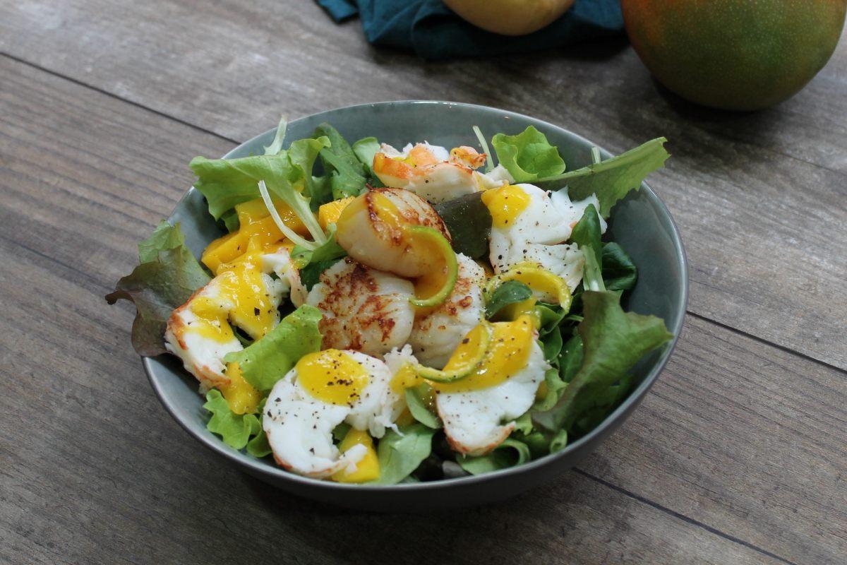 Salade de langouste et Saint-Jacques, sauce à la mangue