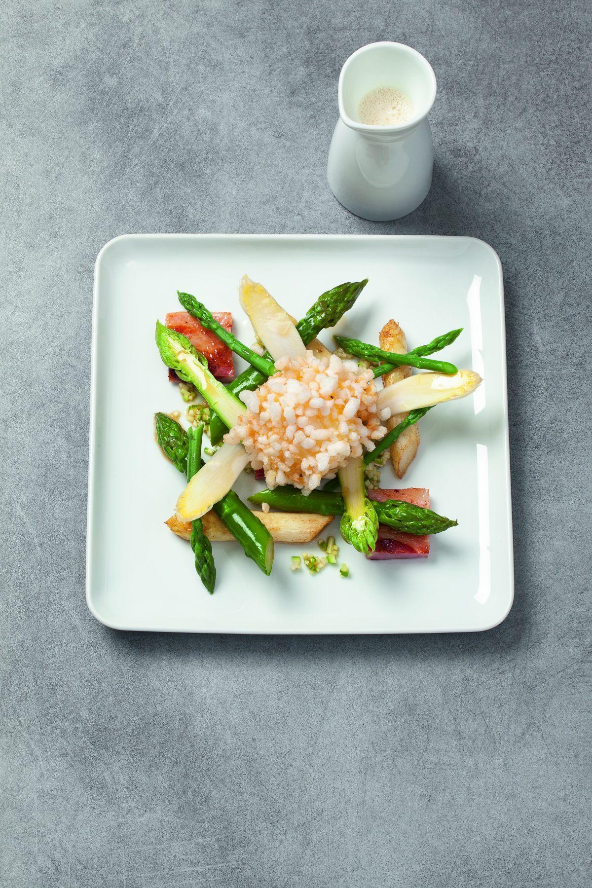 Oeuf frit bacon asperges par l 39 cole de cuisine alain for Alain ducasse ecole de cuisine