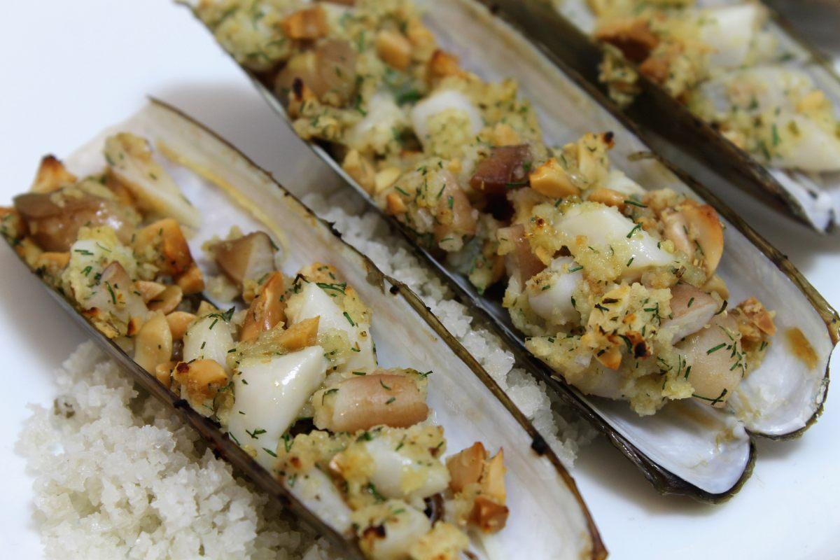 Recette de couteaux cacahu tes citron par alain ducasse - Offrir un cours de cuisine avec cyril lignac ...
